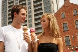 Man and woman eating ice cream
